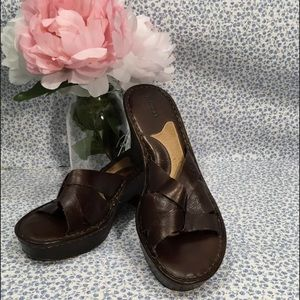 Born Dark Brown Leather Sandals